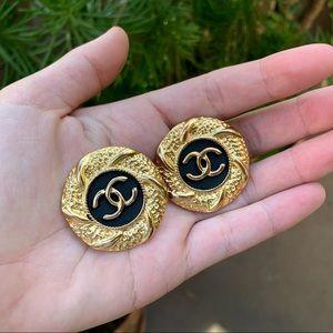 💯 Authentic CHANEL CC Vintage Earrings